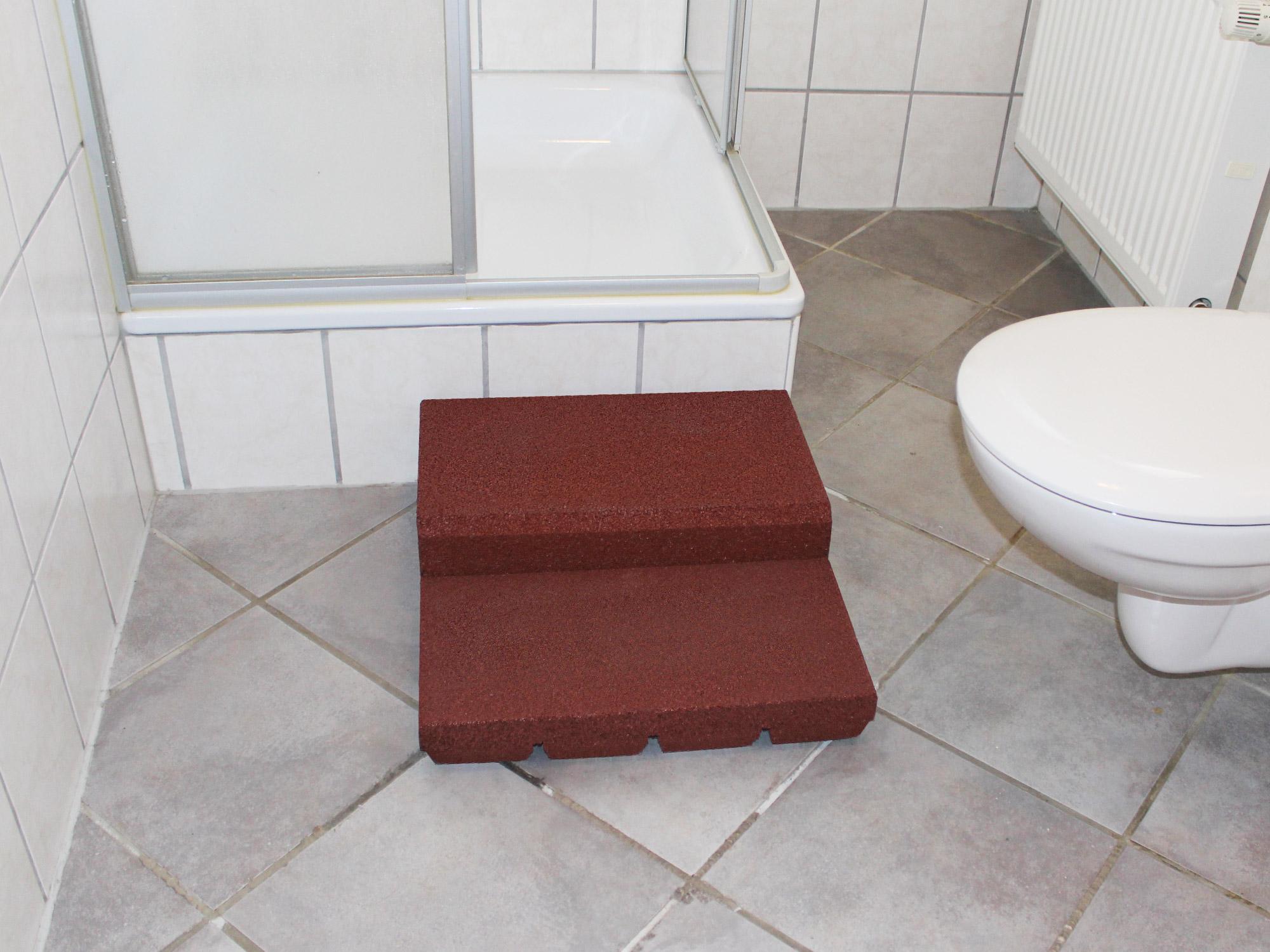einstiegshilfe f r die badewanne gro e badewanne einstiegshilfe design idee die bilder mit der. Black Bedroom Furniture Sets. Home Design Ideas