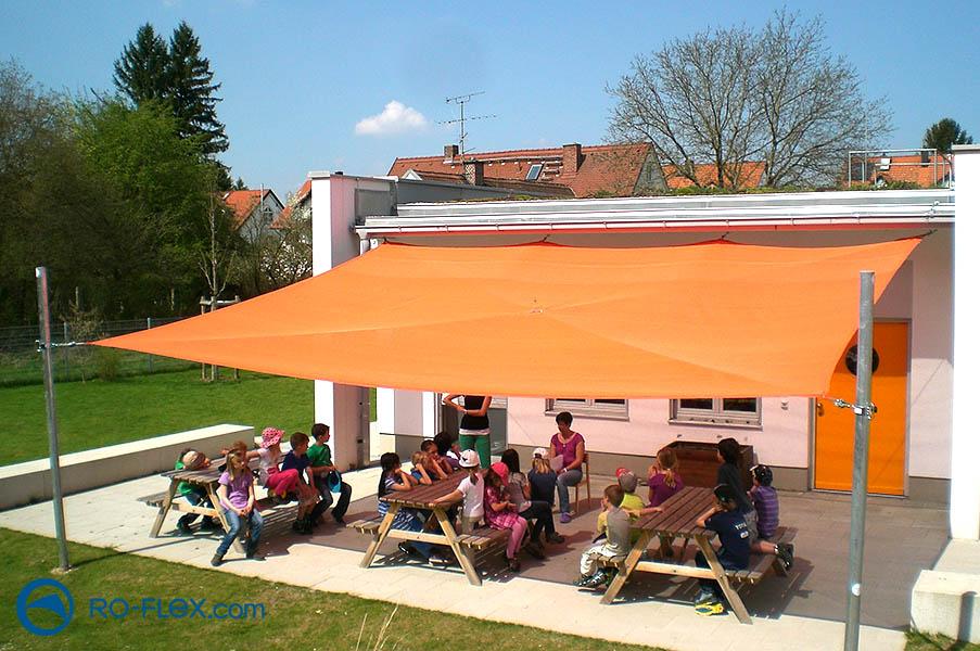 Sonnensegel für Kita orange