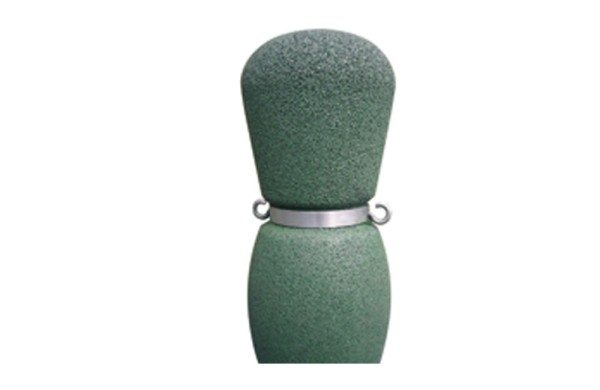 Chain attachment for boundary bollards
