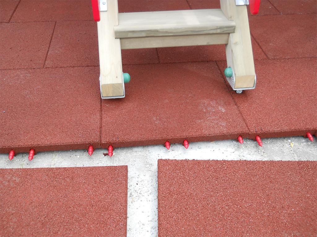 Fallschutzmatten mit Steckverbindern
