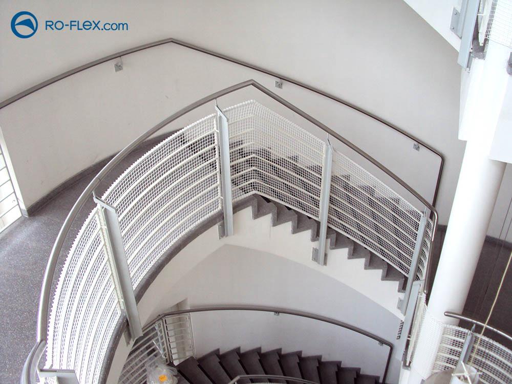 Schutznetzmontage Treppengeländer